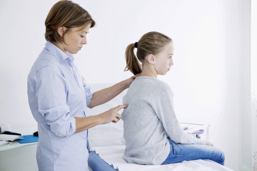 Как лечить сколиоз у подростка